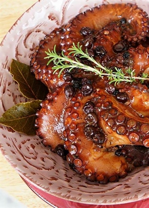 Octopus with Balsamic Vinegar & Raisins